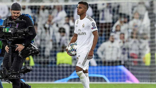 Rodrygo with the match ball after his hat-trick against Galatasaray