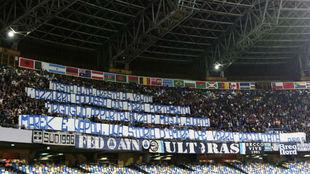 Grada de San Paolo, con pancartas.