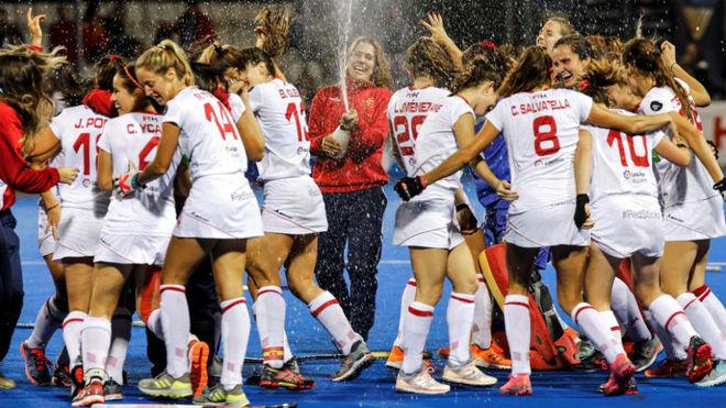Las 'Redsticks' celebran la clasificación para los Juegos Olímpicos...
