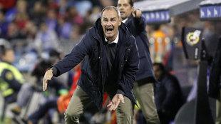 Víctor Fernández, en partido frente a la UD Las Palmas.