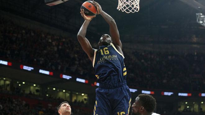 Usman Garuba disputando su tercer partido en Euroliga