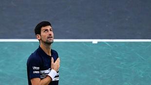 Djokovic, con la mano en el corazón
