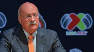 Enrique Bonilla en conferencia de prensa.