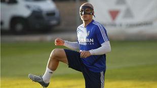 Jorge Pombo, con su máscara.