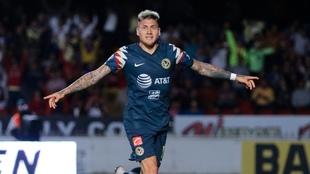 Nico Castillo celebrando un gol ante el Veracruz.