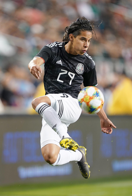 Lainez, con la selección de México