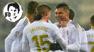 Casemiro y Valverde celebran el gol del uruguayo.