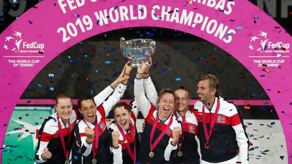 Francia, con el trofeo de campeonas de la Copa Federación
