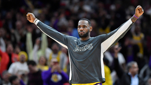 LeBron James en un partido con los Lakers esta temporada.