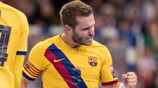 Víctor Tomás celebra un gol /
