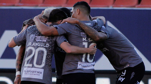 El equipo de Necaxa celebrando un gol