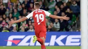 Luuk de Jong celebra el 1-2.