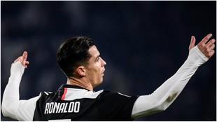 Cristiano Ronaldo se lamenta durante el partido contra el Milan.