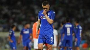 Jonathan Rodríguez durante el partido ante Santos.