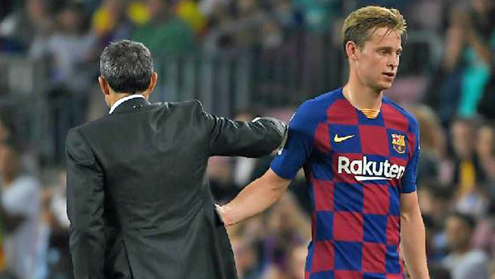 Valverde returned to pick up De Jong from the airport