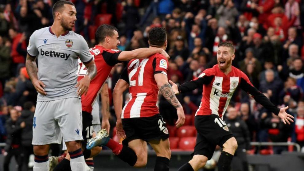 Vezo lamenta la acción que le costó uno de los dos goles al Levante...
