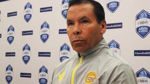 José Guadalupe Cruz asumió el cargo tras la partida de Maradona.