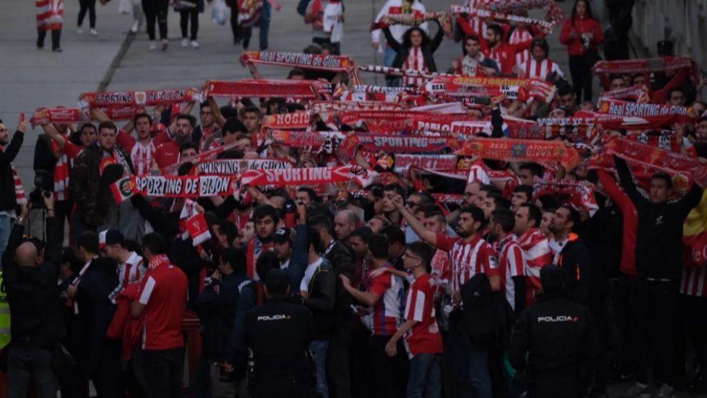 Aficionados del Sporting antes del Oviedo-Sporting del Tartiere de la...