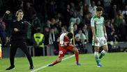 Lopetegui y Navas celebran el segundo gol del Sevilla en el derbi.