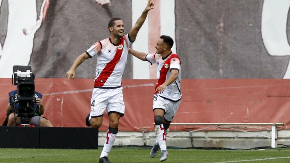 Mario celebra un gol ante el Deportivo.