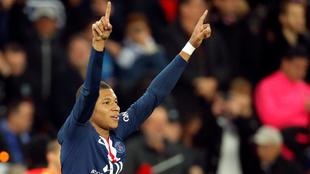 Kylian Mbappé celebra con el PSG.
