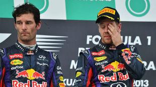 Webber y Vettel en el podio de Malasia 2013, el día del 'Multi...