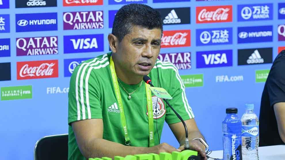 Marco Antonio Ruiz en conferencia de prensa.