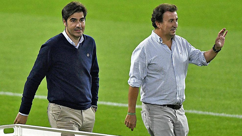 Haro y López Catalán, sobre el césped del Villamarín.