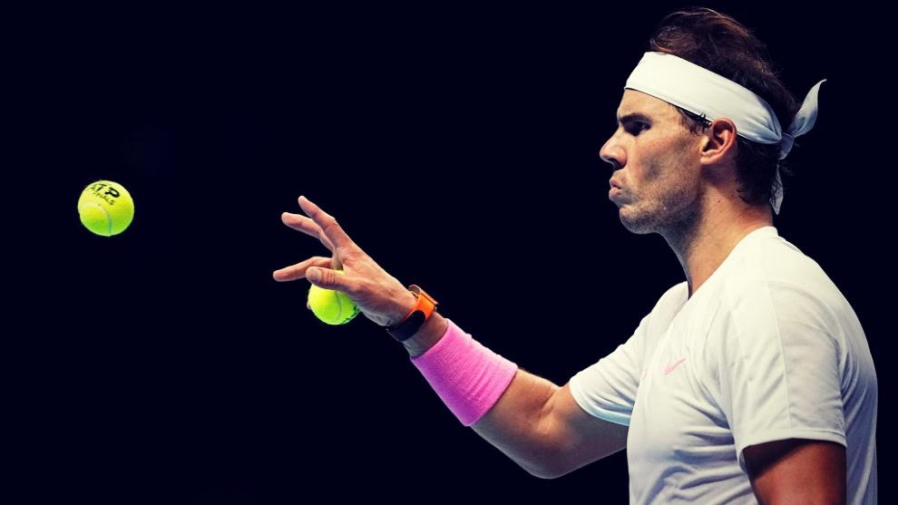 Rafa Nadal viene de perder el primer partido ante Zverev y de remontar...