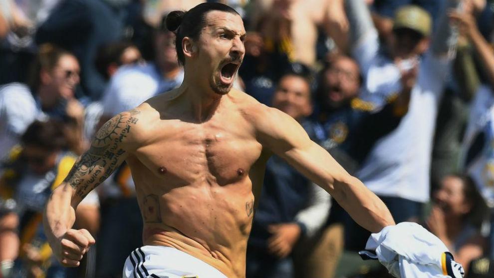 Ibrahimovic celebra un gol con Los Angeles Galaxy.