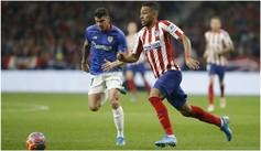 Renan Lodi trata de zafarse por velocidad ante el Athletic.