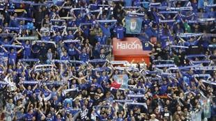Aficionados del Oviedo, animando al equipo