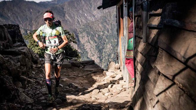 Anna Comet, en la cuarta etapa de la Everest Trail Race.