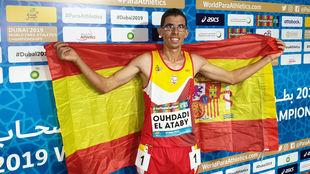 Yassine Ouhdadi, feliz tras conquistar una plata en su debut mundial.