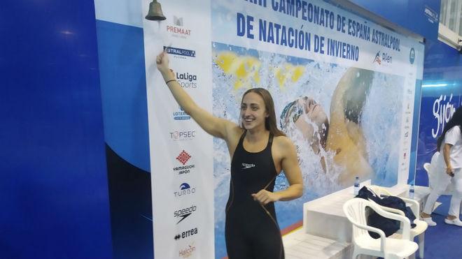Lidón Muñoz, celebrando la consecución de su segundo récord...