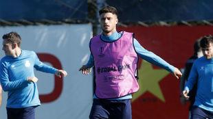Javi Puado, en un entrenamiento con el Espanyol.