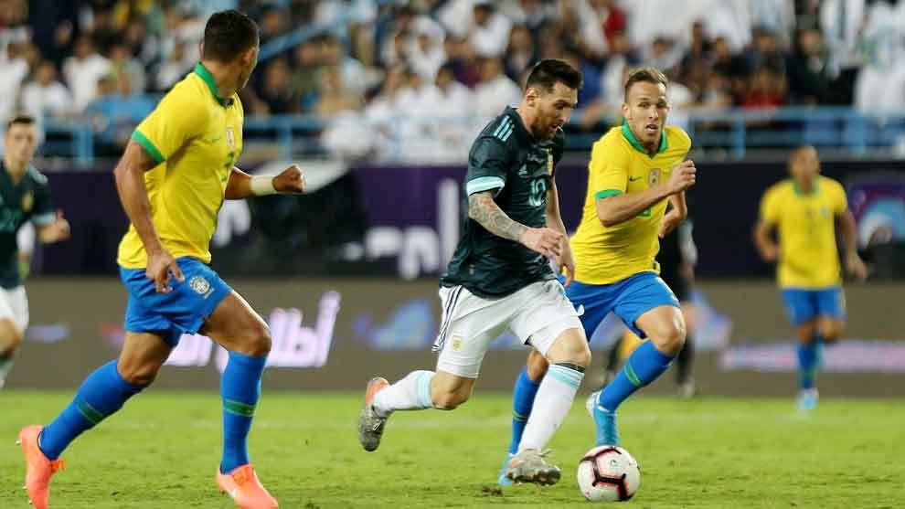 Lionel Messi marcó elgol de Argentina