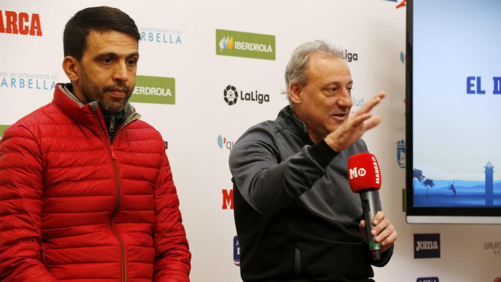 El Guerrouj y Fermín Cacho, durante la charla