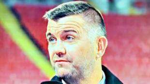 Dominic Matteo, comentando un partido del Liverpool.
