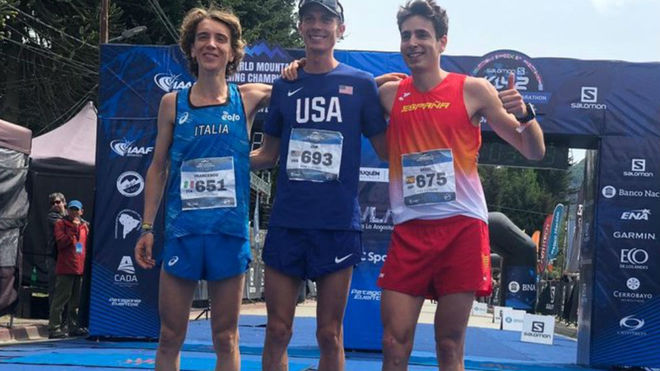 El podio masculino: Francesco Pupi, Jim Wamsley y Oriol Cardona.