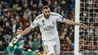 Benzema celebra un gol con el Madrid esta temporada en el Bernabéu.