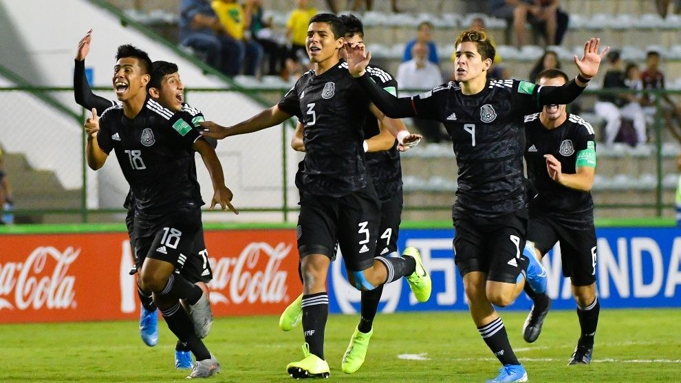Festejo mexicano tras vencer en penaltis a Holanda en semifinales.