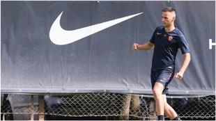 Kalinic durante una sesión de entrenamiento con la Roma,