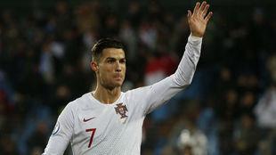 Cristiano Ronaldo (34).