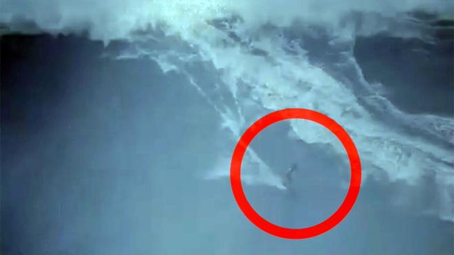 Ola gigante se 'traga' a surfista en Portugal - Marca Claro México