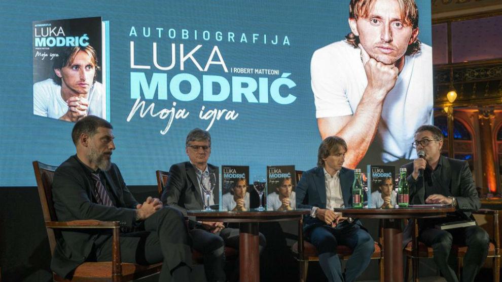 Modric, en el acto de presentación de su libro en Zagreb.
