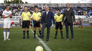 Juan Ignacio Gallardo, director de MARCA, hace el saque de honor en el...