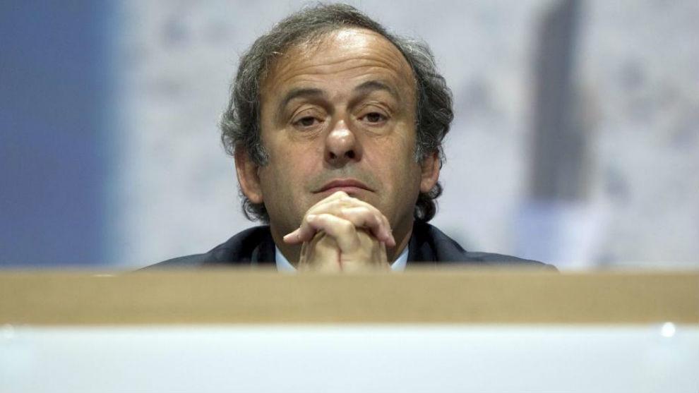 Michel Platini carga contra el VAR: