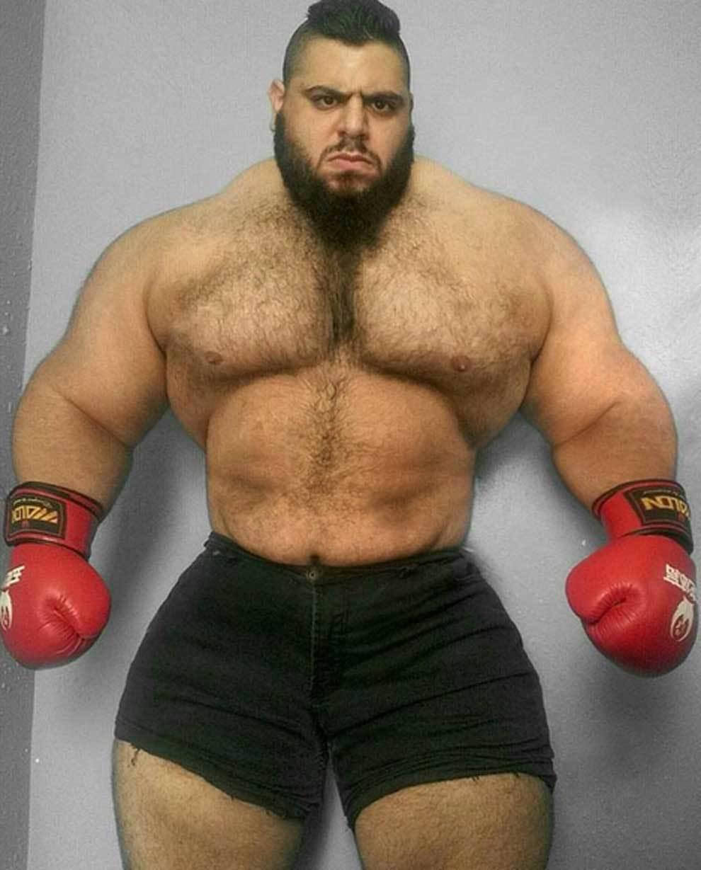 El 'Hulk de Irán' se pasa al sangriento boxeo sin guantes