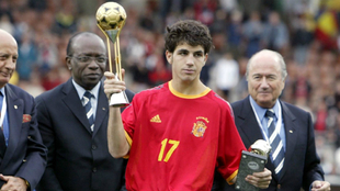 Fàbregas, con los títulos de Bota de Oro y Balón de Oro del Mundial...